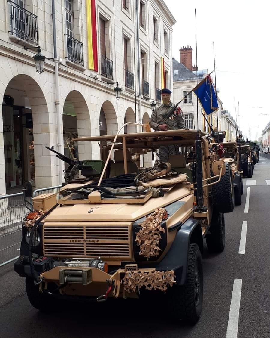 Défilé militaire 8 mai à Orléans 58410110