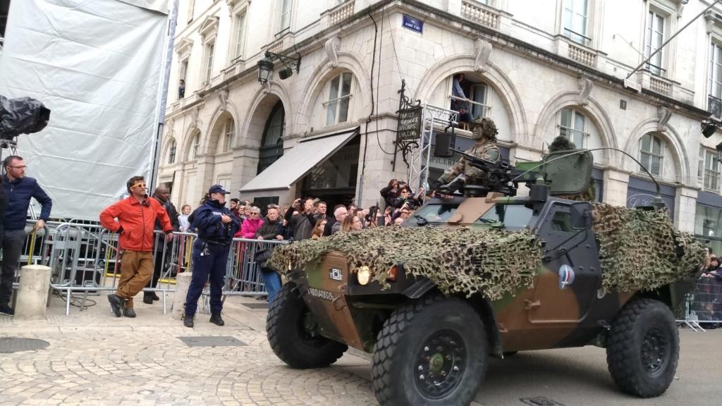 Défilé militaire 8 mai à Orléans 5cd2da10