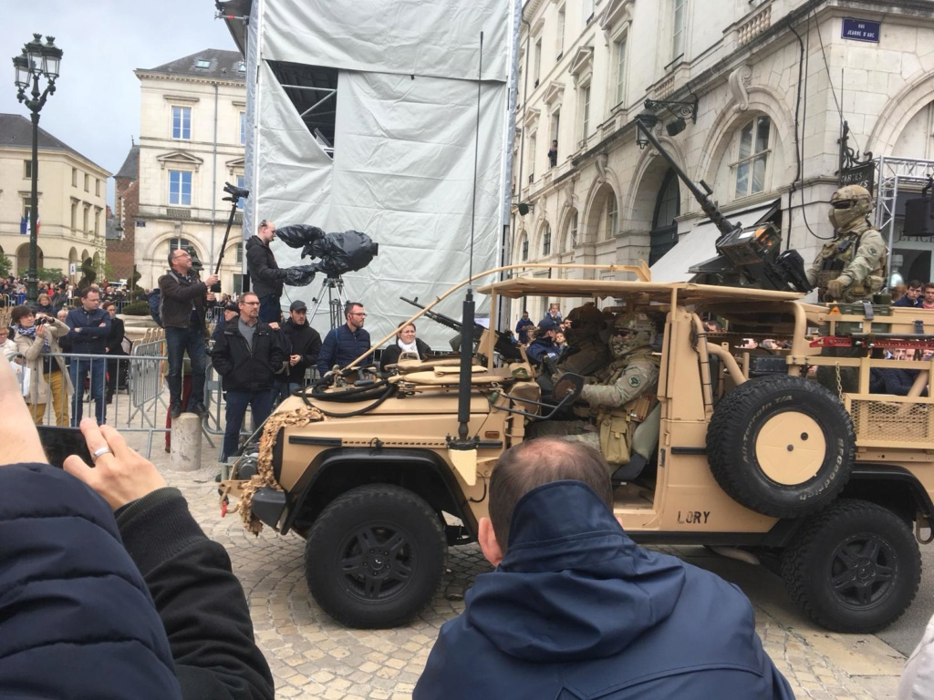 Défilé militaire 8 mai à Orléans 5cd2db11