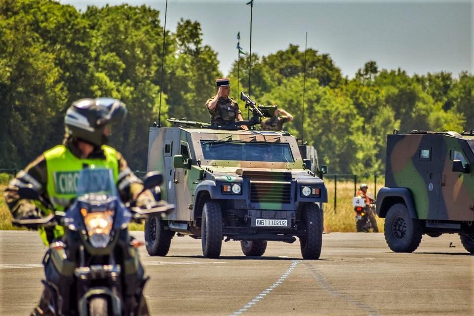 Défilés militaires du 14 juillet 2019 à Paris et les replays - Page 2 66378710