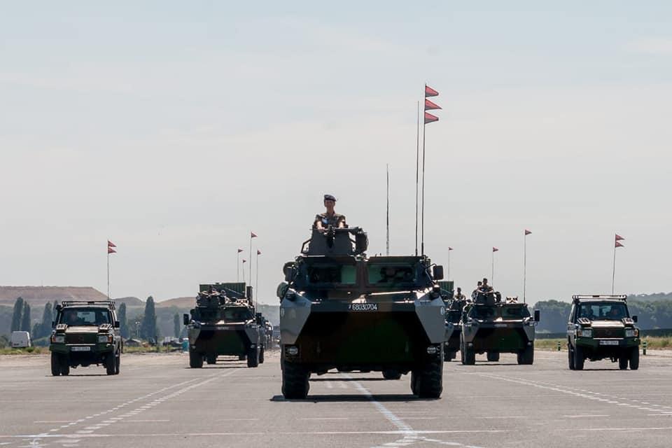 Défilés militaires du 14 juillet 2019 à Paris et les replays - Page 2 66398110