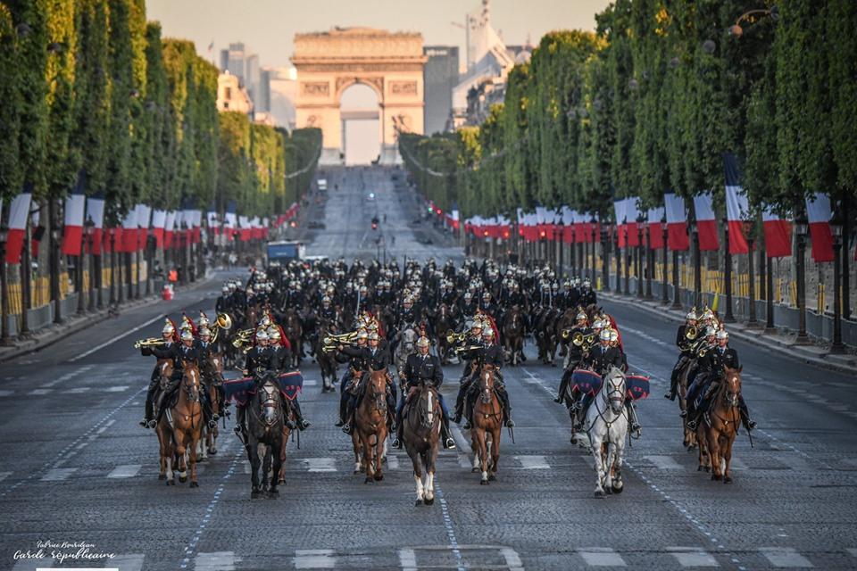 Défilés militaires du 14 juillet 2019 à Paris et les replays - Page 2 66514810