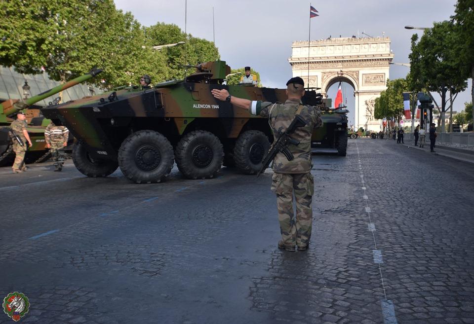 Défilés militaires du 14 juillet 2019 à Paris et les replays - Page 4 66765810