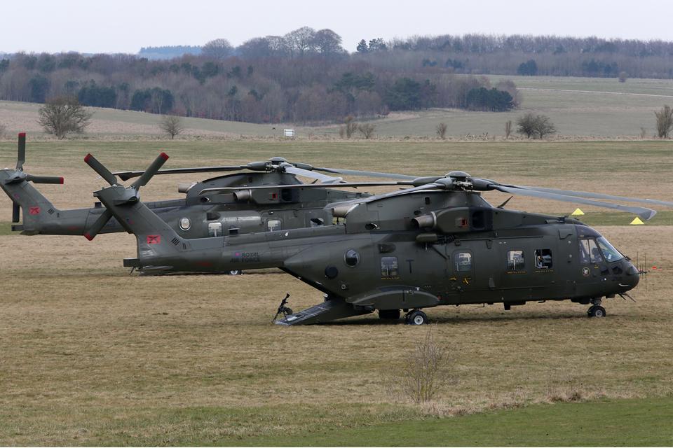 En décembre 2 hélicoptères lourds danois pour Barkhane 7644-u10