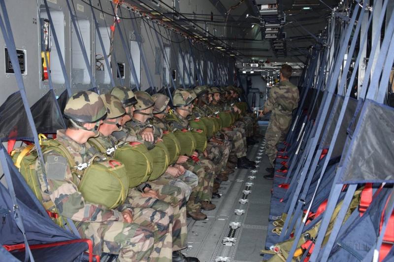 1er largage opérationnel par A400M au Mali A400m510