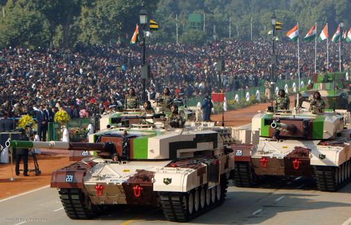 Le char de bataille indien Arjun prêt à entrer en production Arjun-10