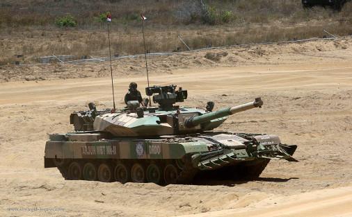 Le char de bataille indien Arjun prêt à entrer en production Arjun-12