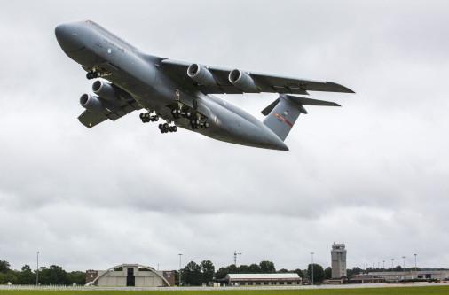 Livraison du 52ème C-5M modernisé à l'US Air Force C-5m_s10