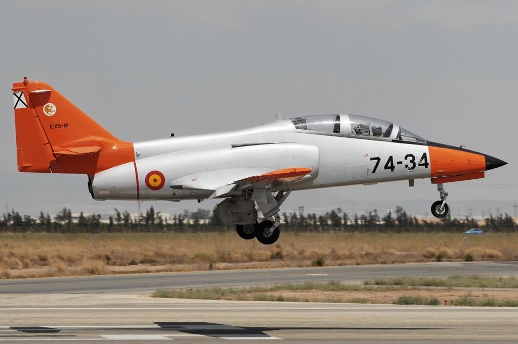 Echangerait A400 M contre avions d'entraînement              Casa_c10
