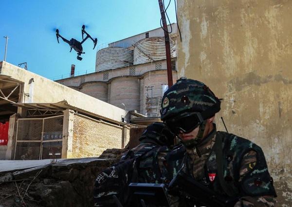Un drone en binôme pour les tireurs d'élite chinois Chine-10
