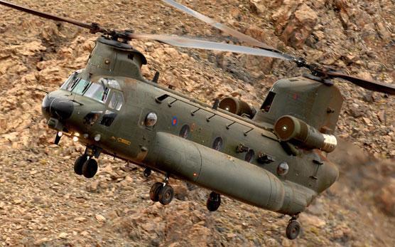 Des hélicos britanniques pour l'opération Barkhane au Sahel Chinoo12