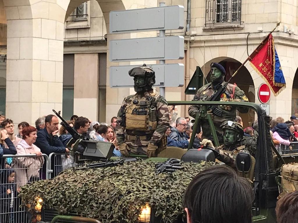 Défilé militaire 8 mai à Orléans D6dorr10