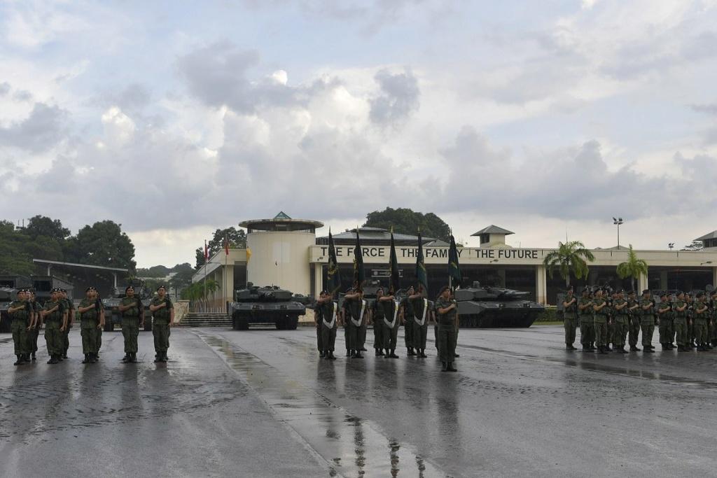 Singapour présente le véhicule de combat blindé Hunter D8x7zt11