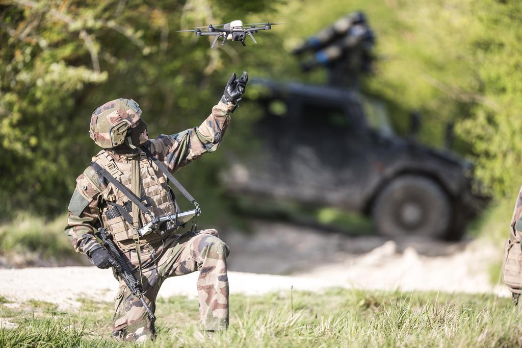 Les micro-drones NX70 sont arrivés à Barkhane D9gmu610
