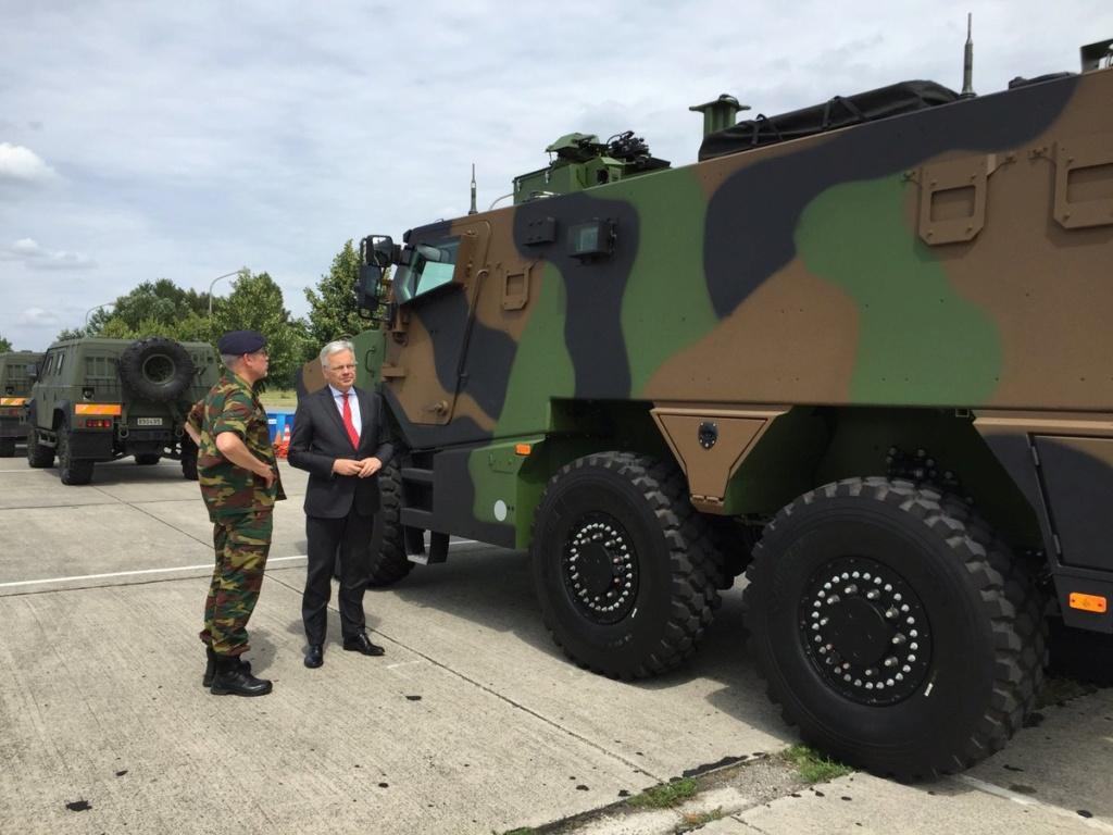 Défilé militaire 2019 de la fête nationale belge 21 juillet D_2wtx10