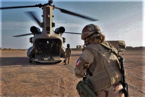 Mission prolongée pour les 3 CH-47D Chinook de la RAF D_bi_k10