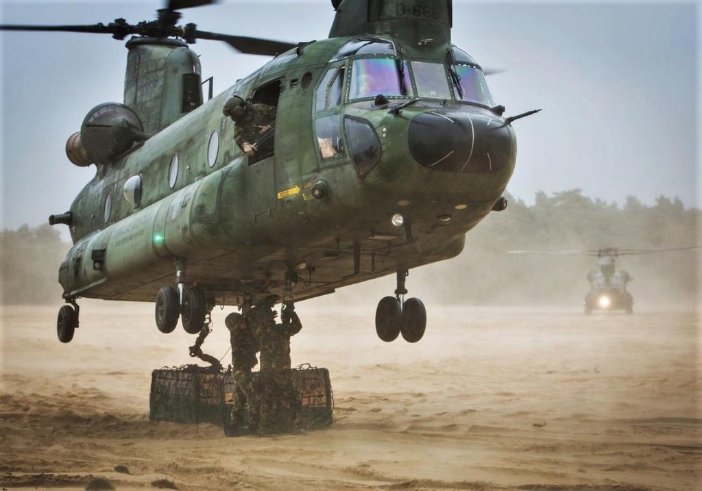 Des hélicos britanniques pour l'opération Barkhane au Sahel Dlwcry11