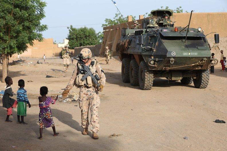 50 soldats estoniens auprès de la France au Mali Dmzd4-10