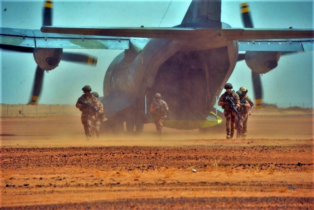 Exercice aéro-terrestre pour la base d'Aguelal au Niger Dsc_5510