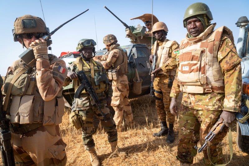 Barkhane frappe des positions jihadistes  Dvgrbl10