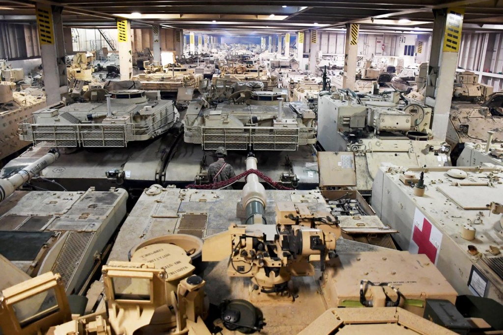 Acheminements de la 1 ArBde US pour Atlantic Resolve Dx2zbv10
