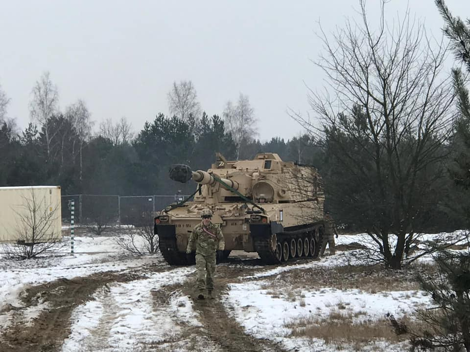 Acheminements de la 1 ArBde US pour Atlantic Resolve Dx8syc10