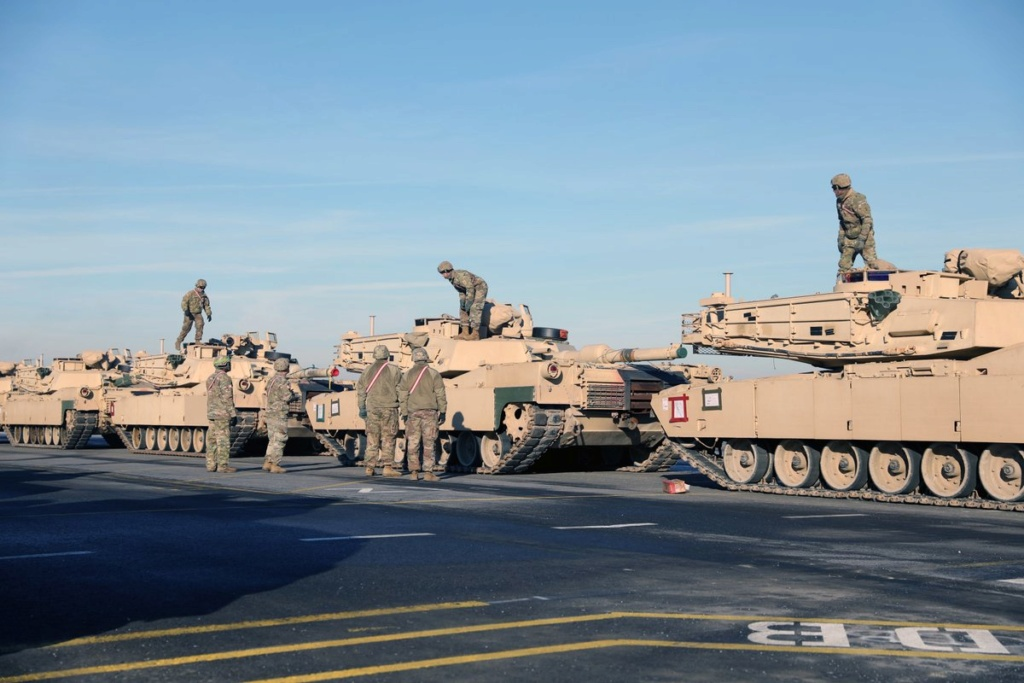 Acheminements de la 1 ArBde US pour Atlantic Resolve Dxeo_z10