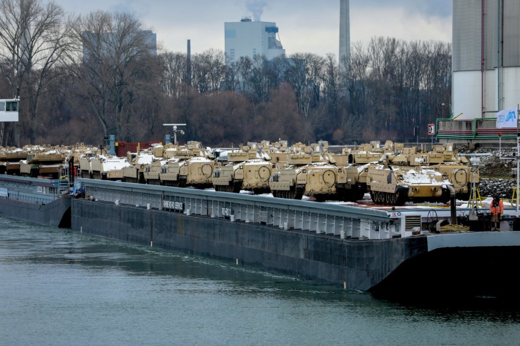 Acheminements de la 1 ArBde US pour Atlantic Resolve Dyux2j10