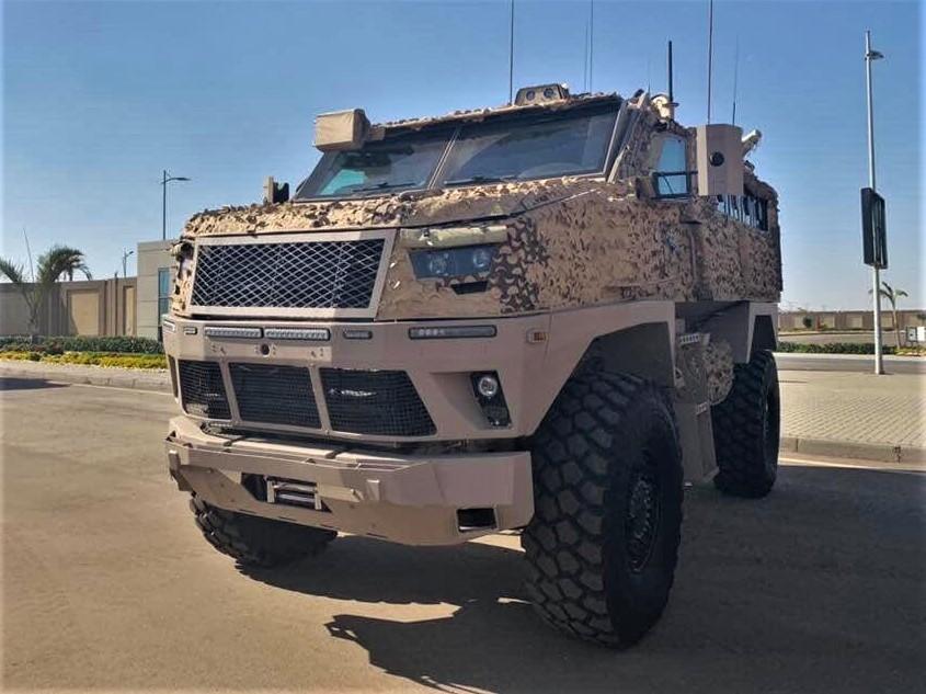 Le MRAP égyptien ST-100 pour les Emirats Arabes Unis ? Dyzvcv10