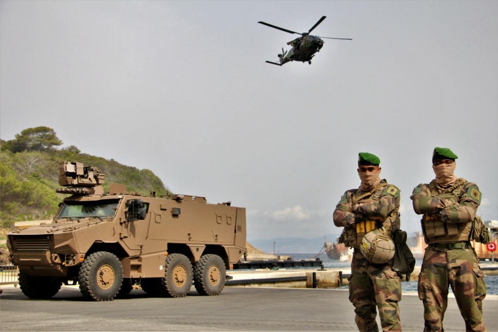 Opération amphibie pour le 14 juillet sur TF1 ! !  E6fzpl11