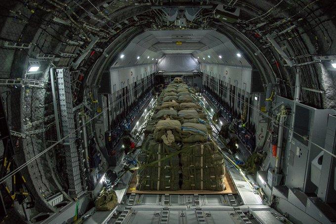 1ère livraison par air en opération à partir de l'A400M  Efacpo10
