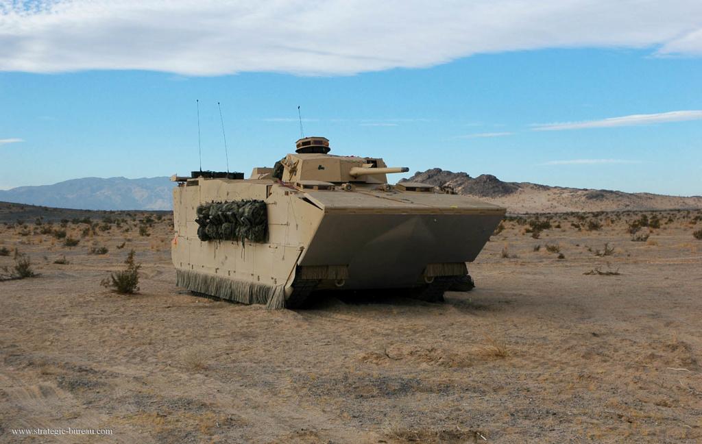 Projet de véhicule blindé de combat d'infanterie amphibie US Efv_vb11
