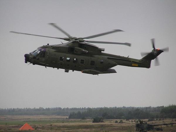 En décembre 2 hélicoptères lourds danois pour Barkhane Eh101-10