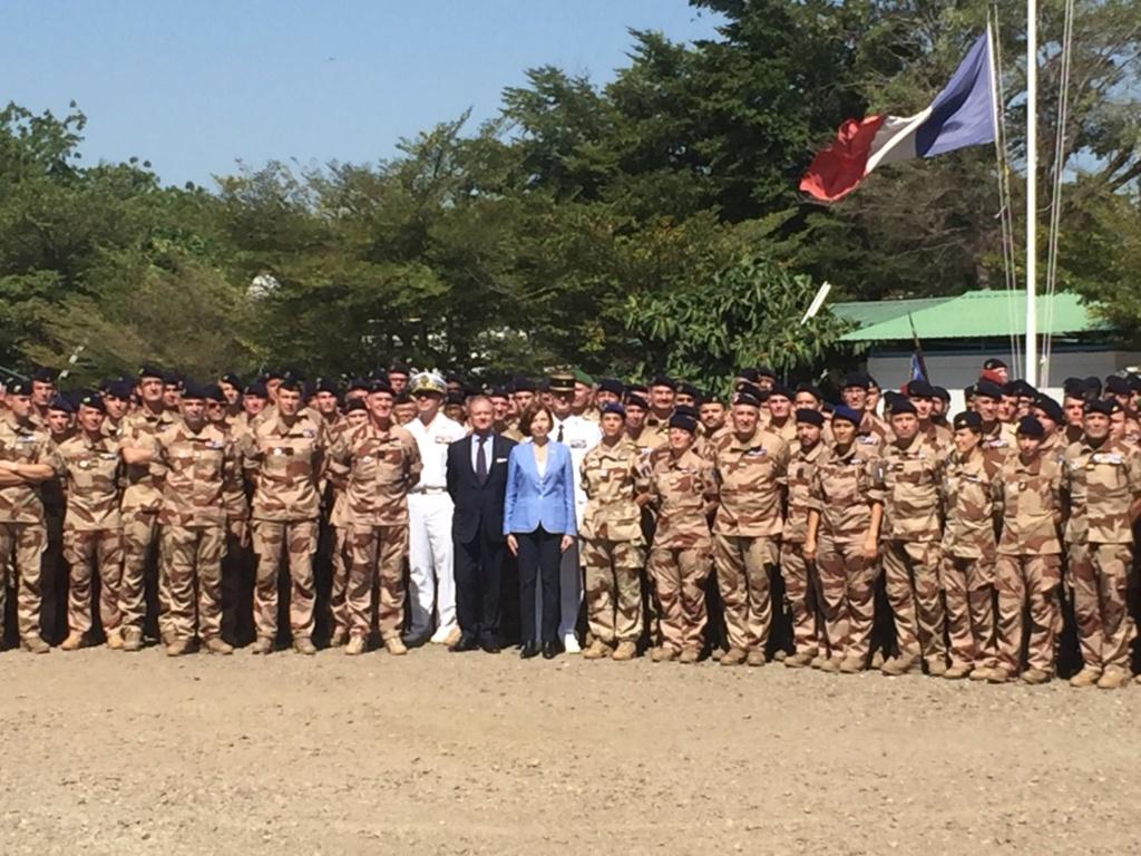 Florence Parly, la ministre des Armées, au Sahel Eihqrt10