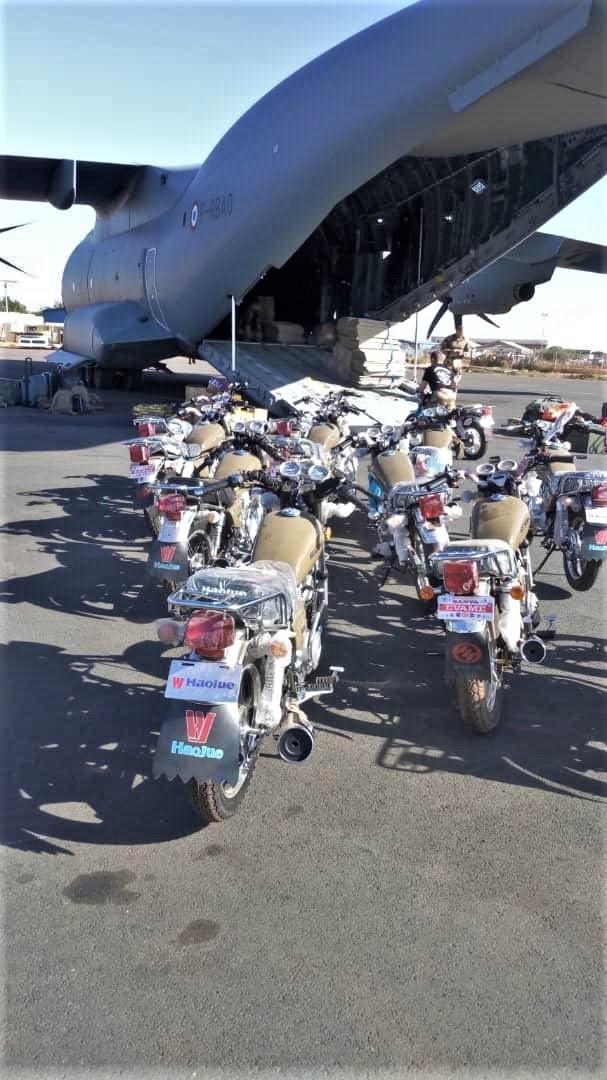 Des motos pour les Forces Armées Maliennes Ek2qvd10
