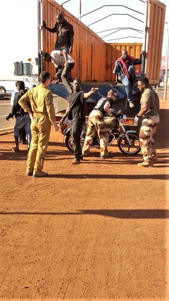 Des motos pour les Forces Armées Maliennes Ek2qvd12