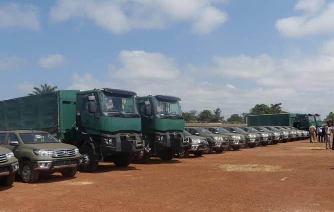 Des véhicules donnés par les USA... et la Chine pour la RCA  F8228d10