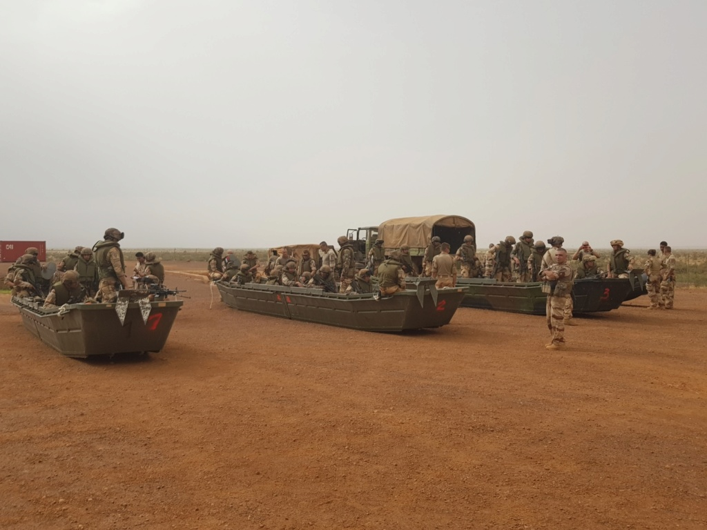 Le GTDI en patrouille... fluviale sur le Niger Germer10