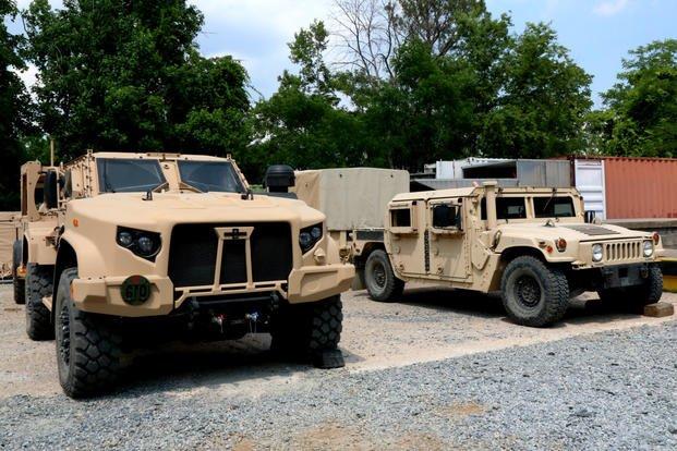 Encore des véhicules blindés américains JLTV pour l'Europe.. Humvee10