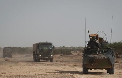 Opération Charente, , un convoi dans le désert Image219