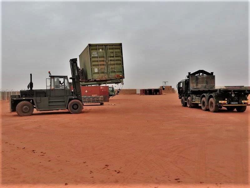 Mise en sommeil de la base militaire de Madama au Niger Img_2042
