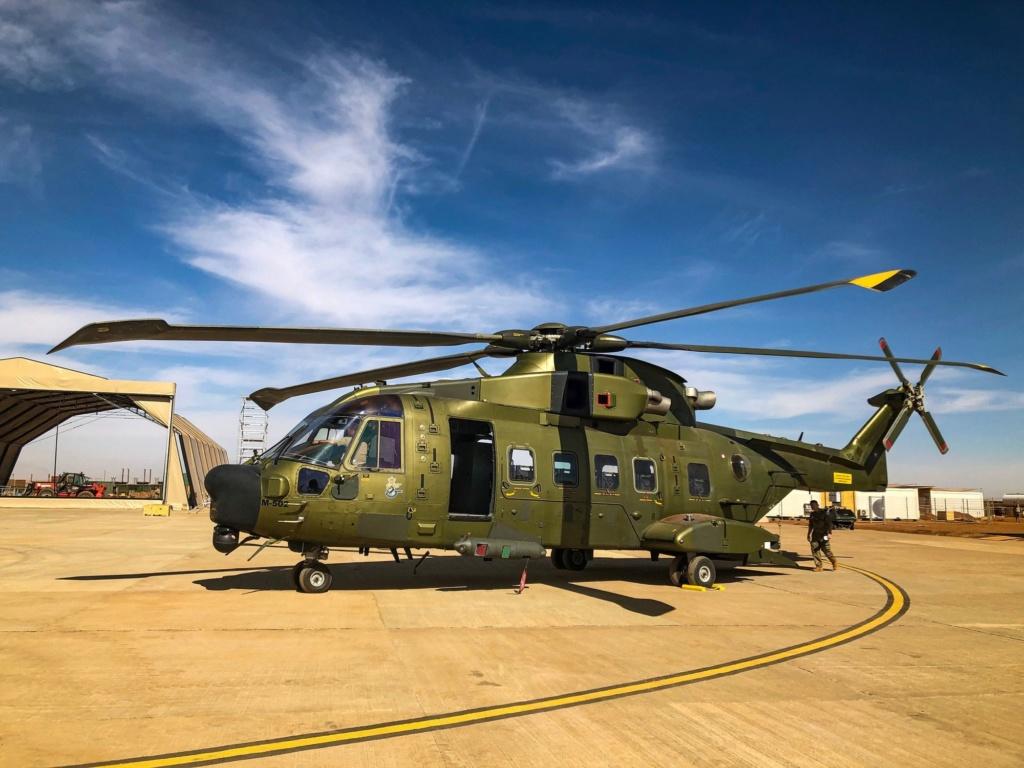 En décembre 2 hélicoptères lourds danois pour Barkhane Img_2212