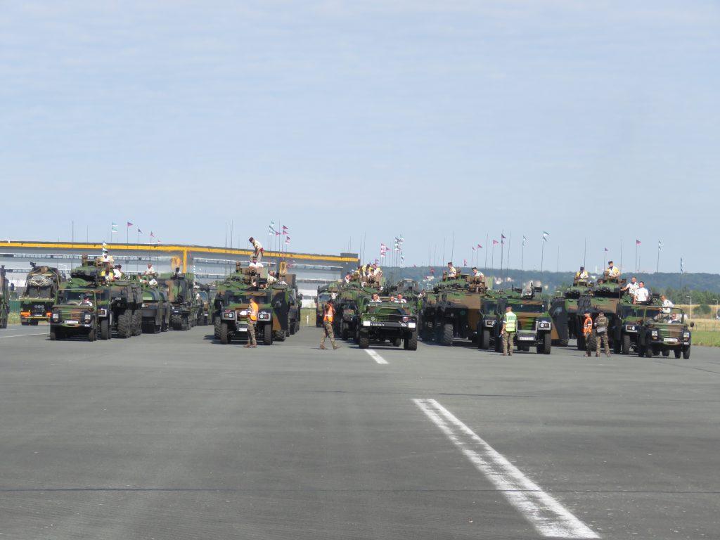 Défilés militaires du 14 juillet 2019 à Paris et les replays - Page 4 Img_3417