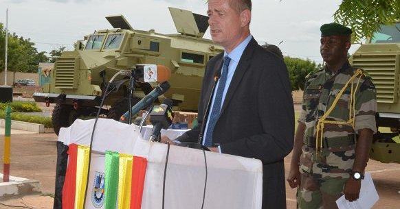 L'Allemagne offre du matériel militaire aux FAMA Jtx_5x10