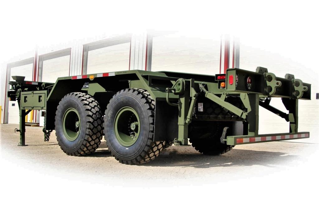 Livraison des camions Mack pour l'armée canadienne Load-h10