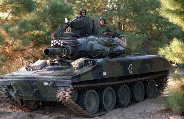 La 82° Division Aéroportée US largue ses LAV-25A2 ! M551_s11