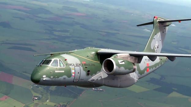 Le KC-390 brésilien, une sortie de piste à...127 M$ ! !  Maxres11