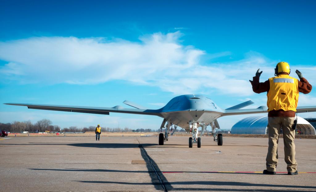 Boeing construira le drone ravitailleur pour l'US Navy Mq_25a10