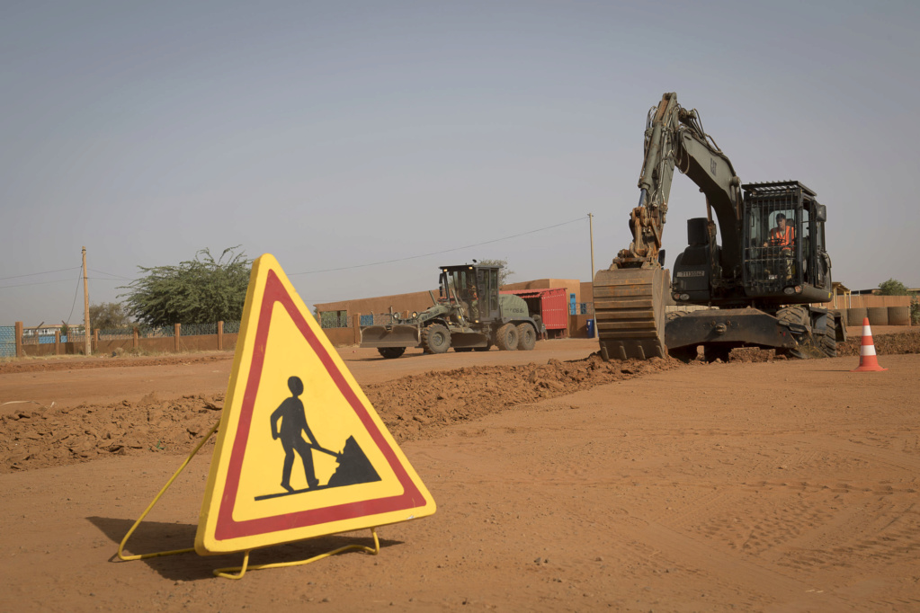 La France développe sa base au Niger  Niamey11