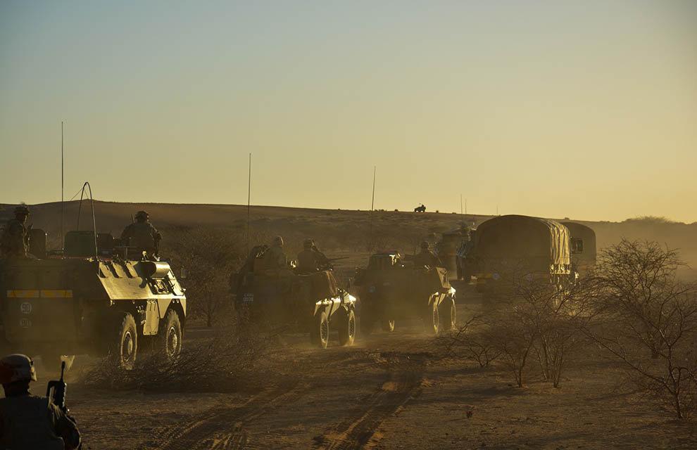 Opération Charente, , un convoi dans le désert Ob_8cf10